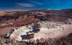 Anglo American cuts debt and boosts its dividend after commodities recovery