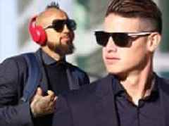 Bayern Munich fly out to Turkey in style ahead of Besiktas clash