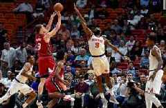 Kelly Olynyk pushes Heat past Knicks, 119-98