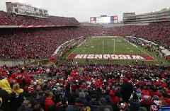 Badgers cancel spring football game due to weather