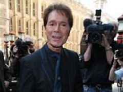 Sir Cliff probe 'would have been shorter if BBC hadn't broadcast raid'