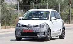 Spyshots: Renault Twingo Facelift Spotted, Might Get a New Engine