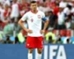 Lewandowski bemoans Poland's lack of risk-taking in costly Senegal defeat