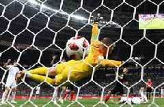 Watch an alternate angle of Croatia's equalizer against England