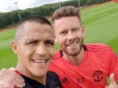 Alexis Sanchez hints he will soon be joining Manchester United squad on their United States tour