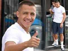 Alexis Sanchez pops to hairdressers for cut ahead of Leicester clash