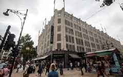 Mike Ashley close to House of Fraser takeover