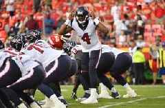 PHOTOS: Watson returns to field in Texans 17-10 win over Chiefs in preseason opener