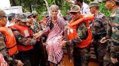 India monsoon: Rescue operation in Kerala flooding