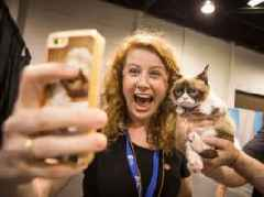 Snapchat just introduced new selfie filters meant specifically for your cat (SNAP)