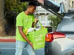 Instacart crashed late Sunday, leaving furious shoppers waiting all night for deliveries that never arrived
