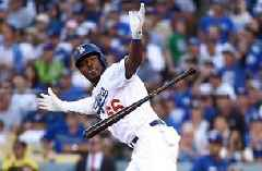 Yasiel Puig's RBI single propels Dodgers to 5-2 win in pivotal Game 5 of NLCS