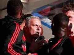 Manchester United's Jose Mourinho held back from chases Chelsea coach down the tunnel