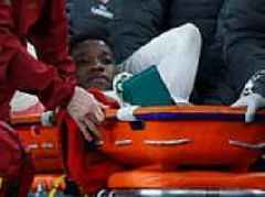 Arsenal's Danny Welbeck suffers horror ankle injury against Sporting Lisbon