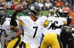 Steelers defeat Panthers 52-21, Roethlisberger throw for 5 TDs