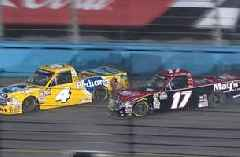 Todd Gilliland collected in three-truck wreck at ISM Raceway | 2018 TRUCK SERIES | FOX NASCAR