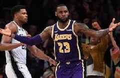 Shannon Sharpe on LeBron: 'I believe it was his most impressive performance in a Lakers uniform'