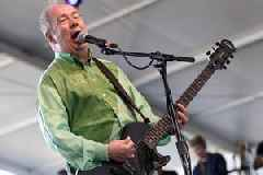 Pete Shelley, Buzzcocks Lead Singer, Dies at 63