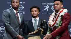 Oklahoma's Kyler Murray edges Alabama's Tua Tagovailoa for Heisman Trophy