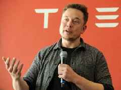 Elon Musk says Tesla will refund customers who don't receive their cars by the time a lucrative tax break is slashed next month (TSLA)
