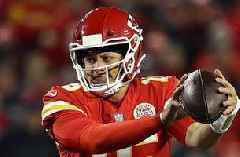 Cris Carter evaluates Patrick Mahomes' performance in TNF loss to the Chargers
