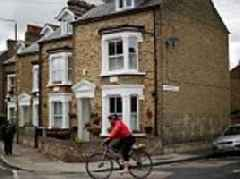 House price growth set to grind to a halt next year, RICS predict