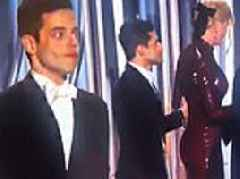Rami Malek gets awkwardly DENIED by Nicole Kidman on stage at the Golden Globes