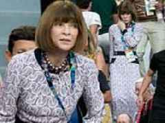 Vogue editor Anna Wintour ditches her sunglasses at the Australian Open