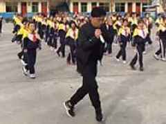 Primary school principal goes viral for leading pupils through amazing morning dance routine