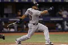 Pirates sign OF Melky Cabrera to minor-league deal