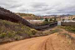 Fresh US government shutdown looms as border wall row rumbles on