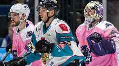Elite League: Glasgow Clan inflict title blow on Belfast Giants