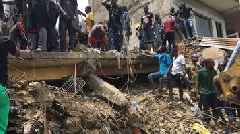 Nigeria school collapse: Fears of trapped children in Lagos