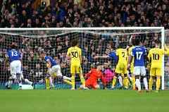 'Thank you Everton' - Arsenal and Man United fans revel in Chelsea's defeat at Goodison Park