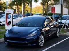 Analyst slashes his Tesla price target due to 'meager demand' and Model 3 'delivery issues' (TSLA)