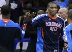 NBA wrap: Westbrook makes history, Warriors stay ahead of Nuggets