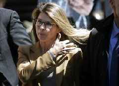 Lori Loughlin Pleads Not Guilty, Thinks She Can Actually Beat College Bribery Charge