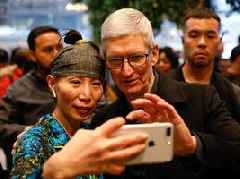 Apple's blockbuster legal settlement paves the way for a 5G iPhone (AAPL)