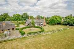 This dream thatched country house could be yours for £1million - take a look inside