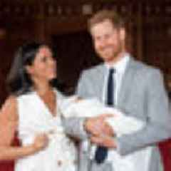 Royal family delay in meeting Meghan and Harry's baby Archie