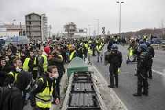 Yellow Vests march for 27th consecutive Saturday