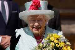 Queen's five-word dig at Prince William and Kate Middleton at Chelsea Flower Show