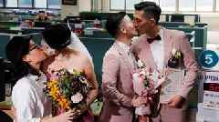 Taiwan gay marriage: Hundreds tie the knot on historic day