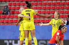 Sweden's late second goal secures their opening match win vs. Chile