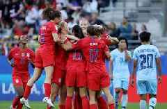 Rose Lavelle buries the United States' second goal vs. Thailand