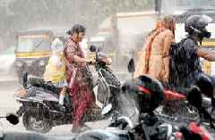 Cyclone Vayu continues to wreak havoc in Mumbai