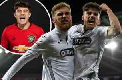Man Utd star Daniel James' plane phone call with Oli McBurnie, a 'mad' situation and what the Swansea City striker told his pal to do