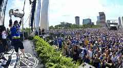 St Louis Blues celebrate Stanley Cup with a million people & lots of beer