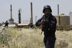 Rocket hits site of foreign oil firms in Iraq's Basra