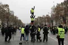 Despite waning turnout, 'Yellow Vests' enter 32nd week of protests